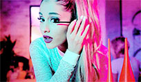 Ariana Grande makeup moving picture